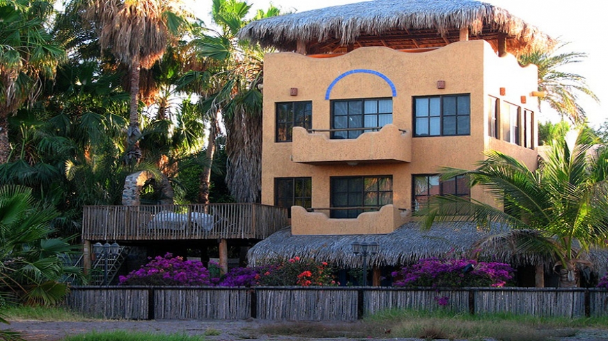 Palm shaded home in Cabo San Lucas