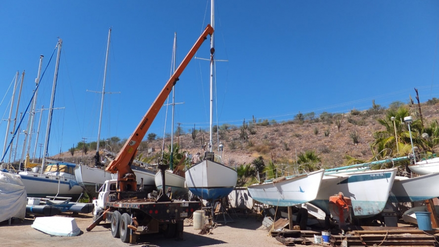 Bercovich Boat Works offers dry storage and onsite crane services