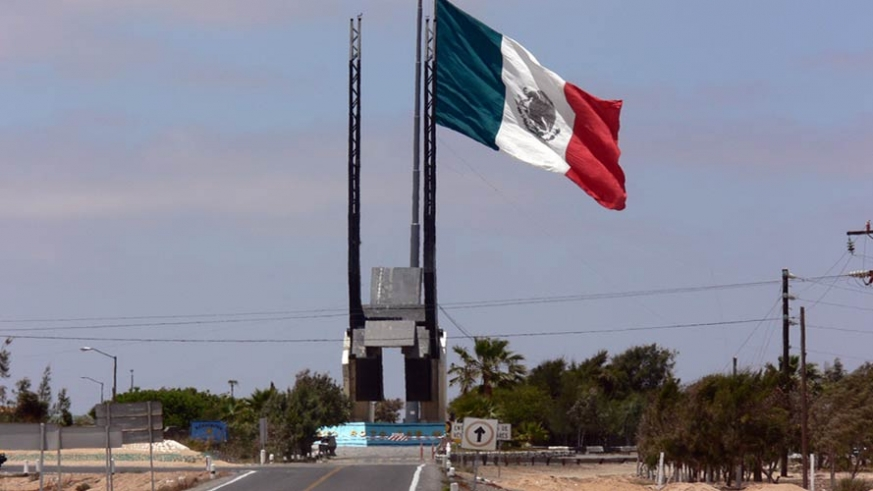 Until Baja California Sur became a state this military base represented the border between Baja California Sur and the state of Bja a California Mexico
